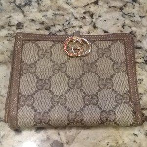 Gucci Vintage Logo Wallet